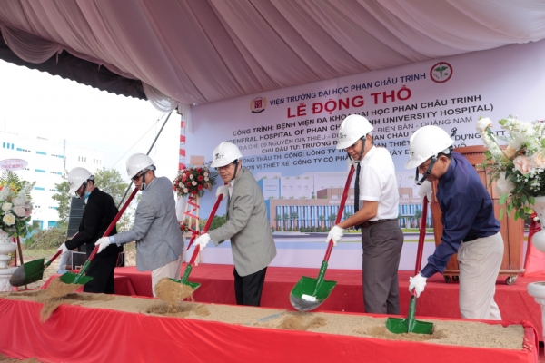 PHAN CHAU TRINH UNIVERSITY DISEASE CONSTRUCTION CEREMONY